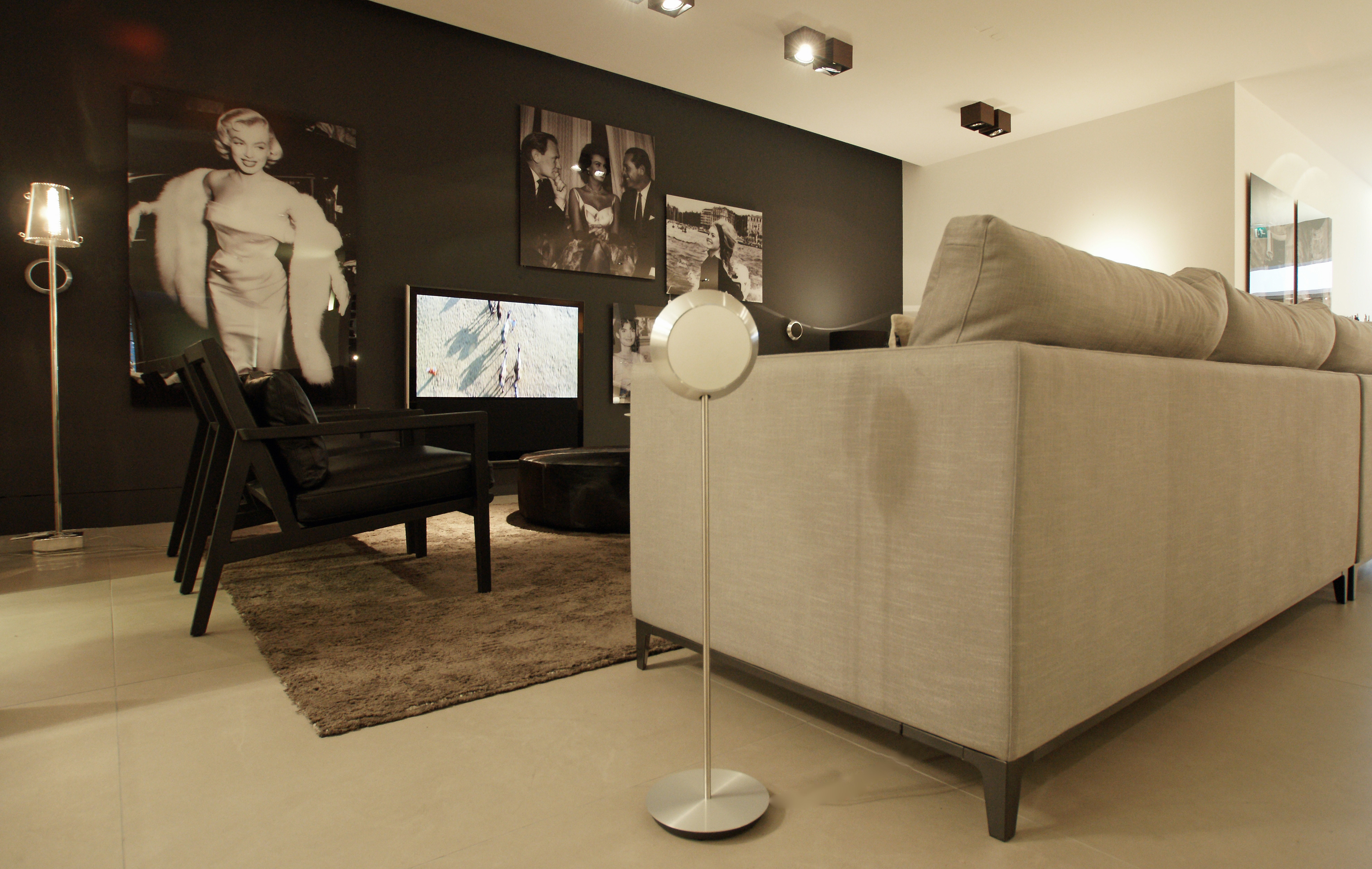 Bang & Olufsen Showroom BeoLab 14